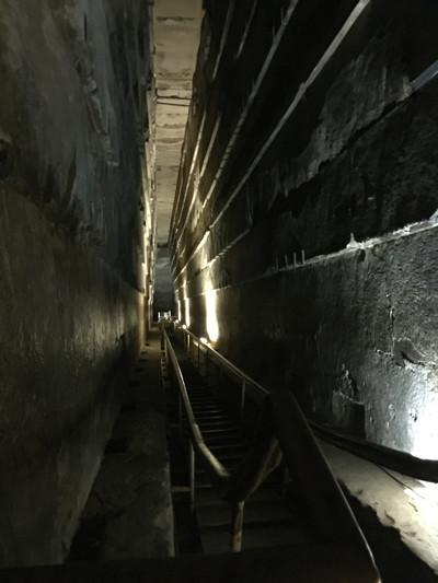 20151110_1229-Cairo-pyramids_resize
