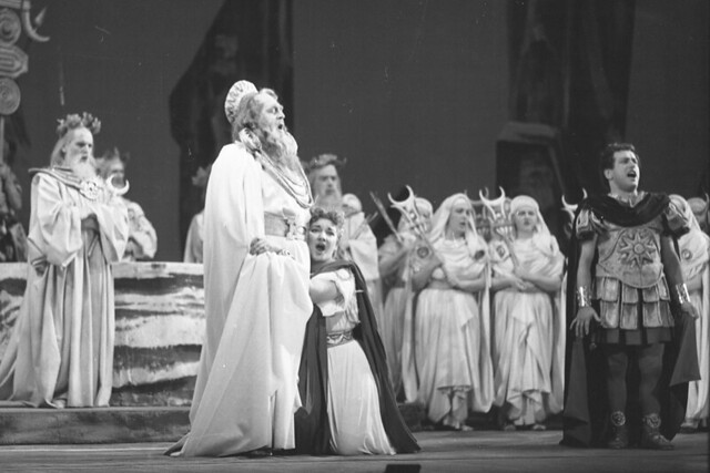 Giacomo Vaghi, Maria Callas and Mirto Picchi © 1952 Roger Wood/ Royal Opera House
