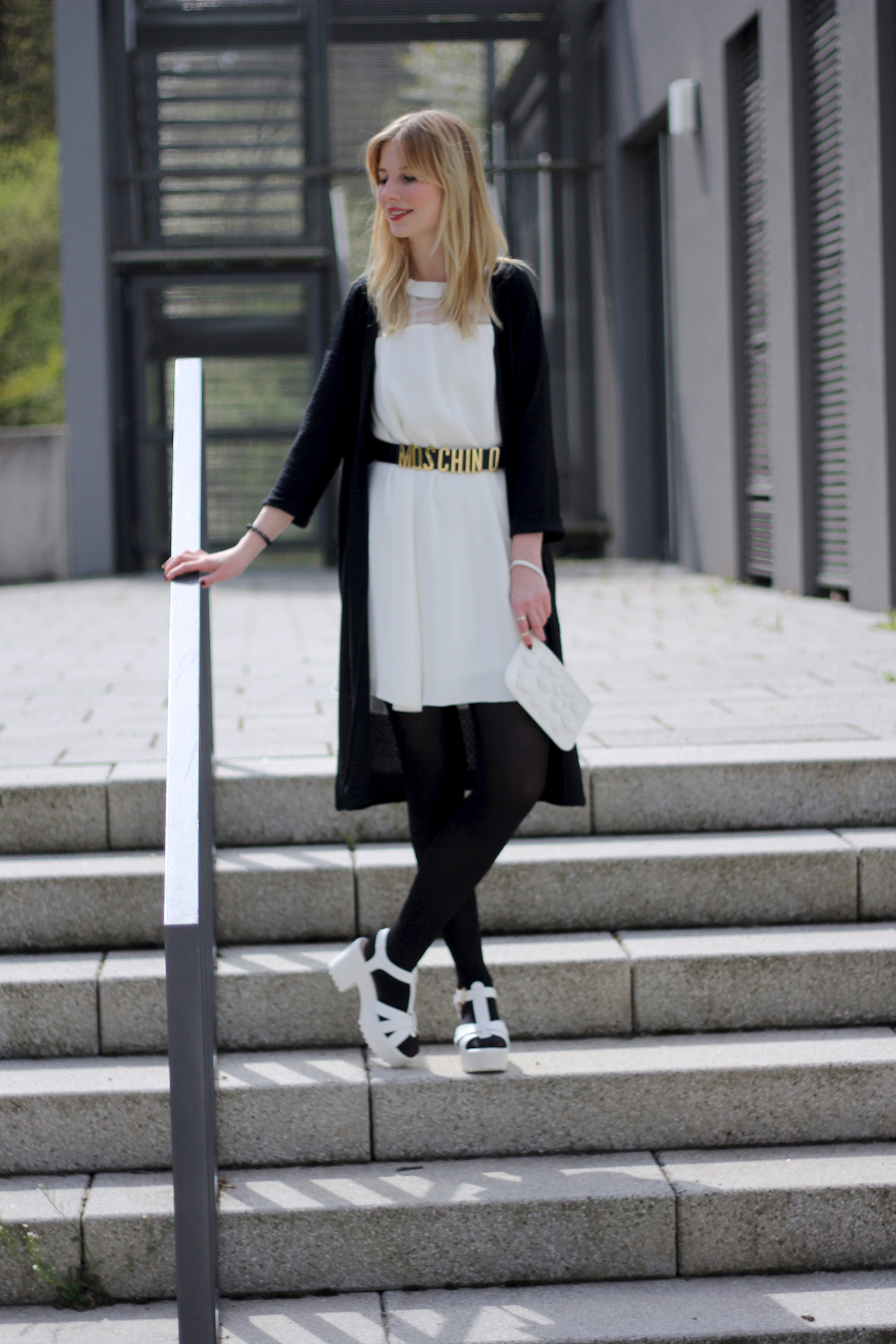 outfit-black-white-dress-moschino-asos-riverisland-sandals-shoes-clutch-girly-city-chic