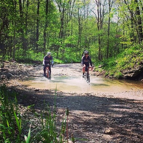 """Get back on that horse and ride..."" Hitting my first low-water crossing after wiping out in one just a few minutes earlier. #momentumracing #tothelimit #cyclingstateofmind #dk200training #scexperts #ridinggravel"