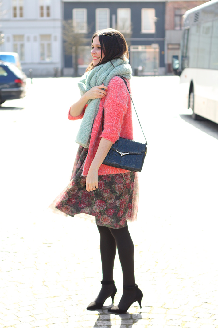 Outfit: girly in mint, pink and floral