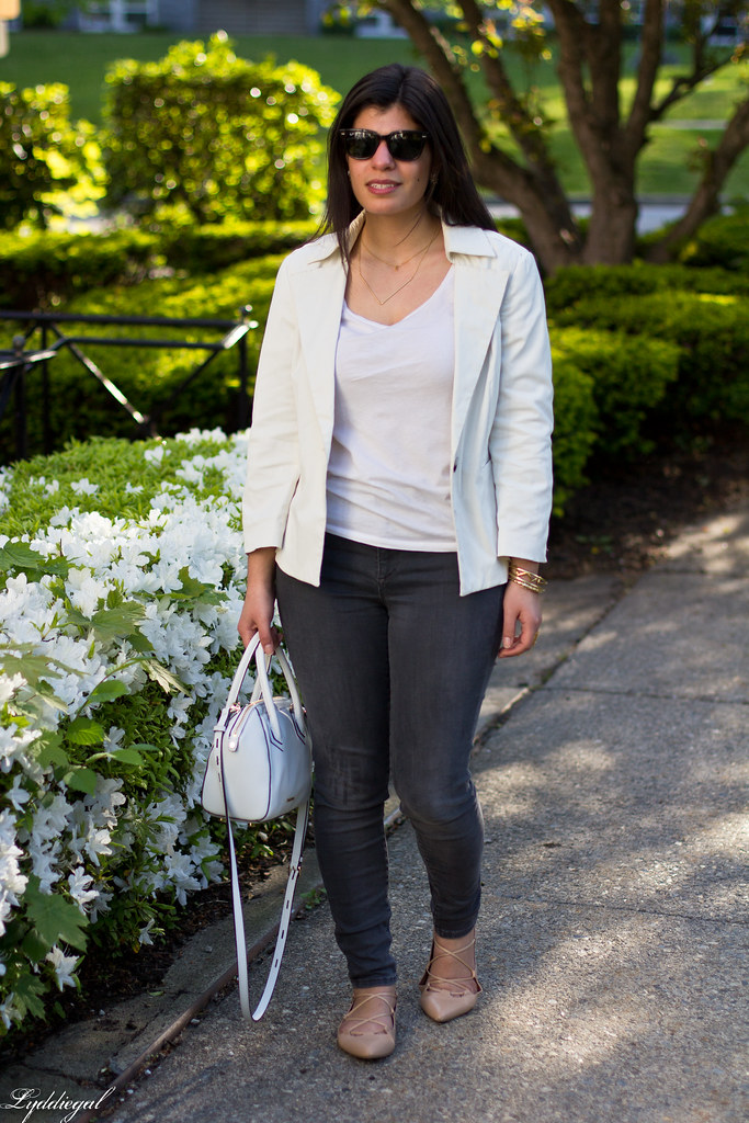 white blazer, grey jeans, lace up flats, white bag-10.jpg
