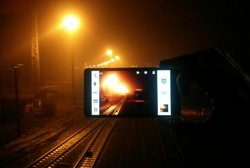 nightphotography railroad mobile night lights railway pip mobilephone rails pictureinpicture