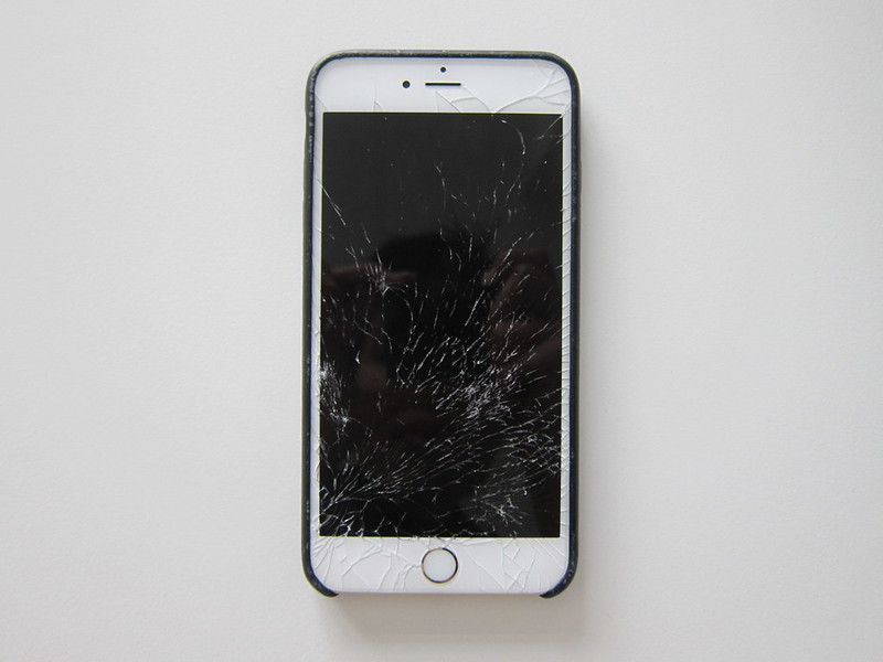 iPhone 6s Plus Screen Cracked - Screen Off