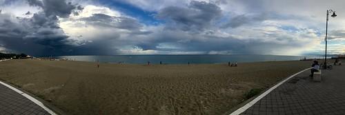 Il lungomare di Sellia Marina: nuvole di luce dopo il temporale!