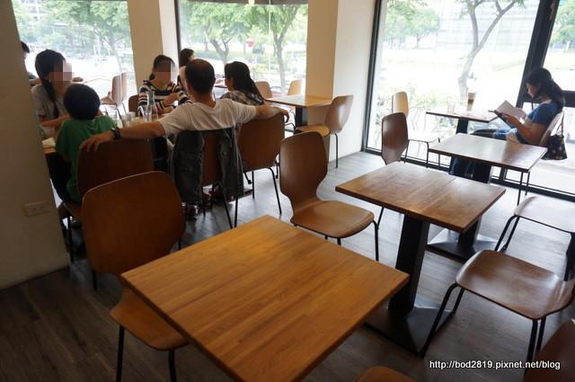 16899107743 037823c6d6 o - 【台中西區】MOCHA JANE'S cafe 摩卡珍思-平價早午餐,附飲品,奶茶好喝!(已歇業)