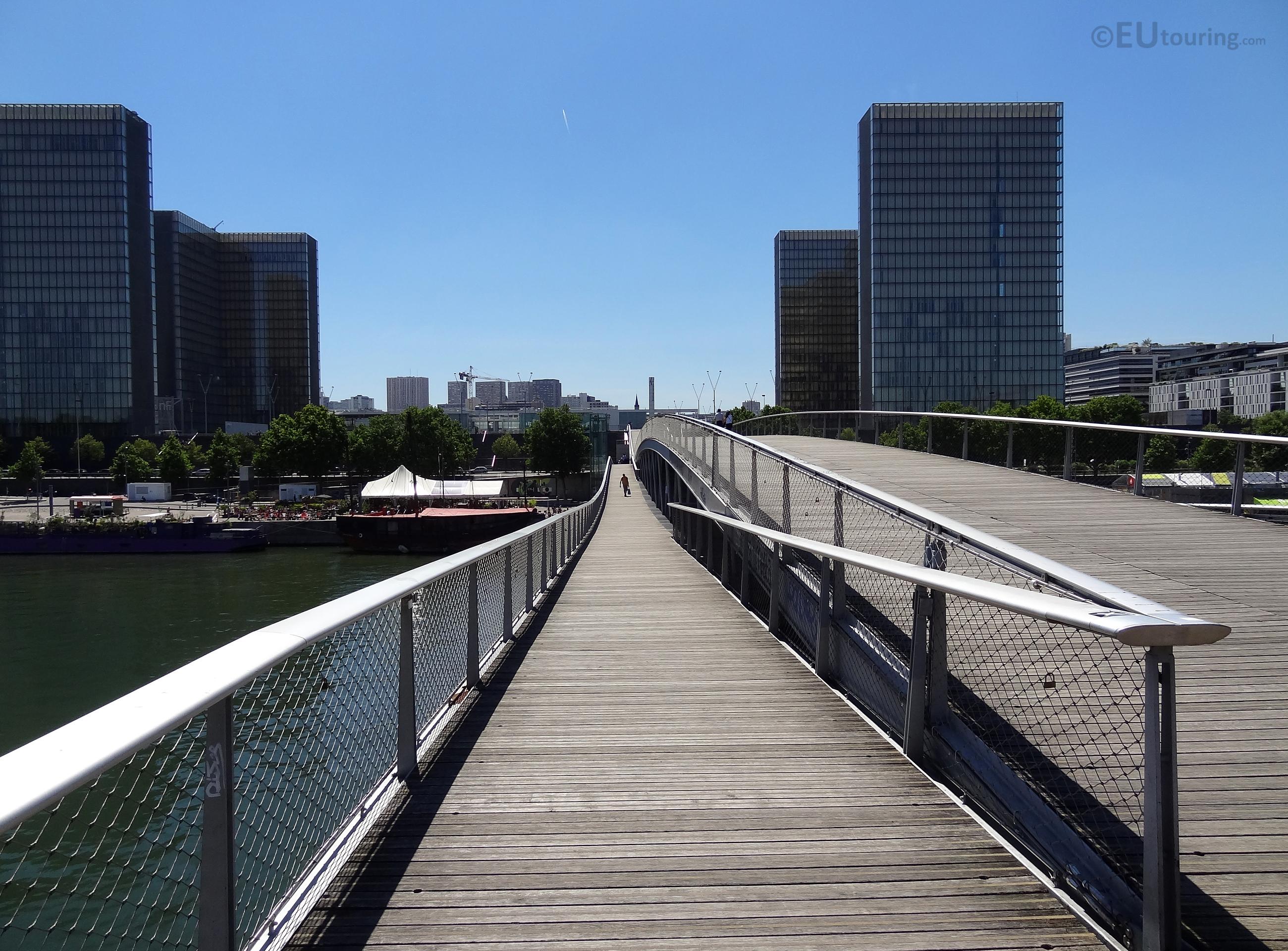 Middle eye of the bridge