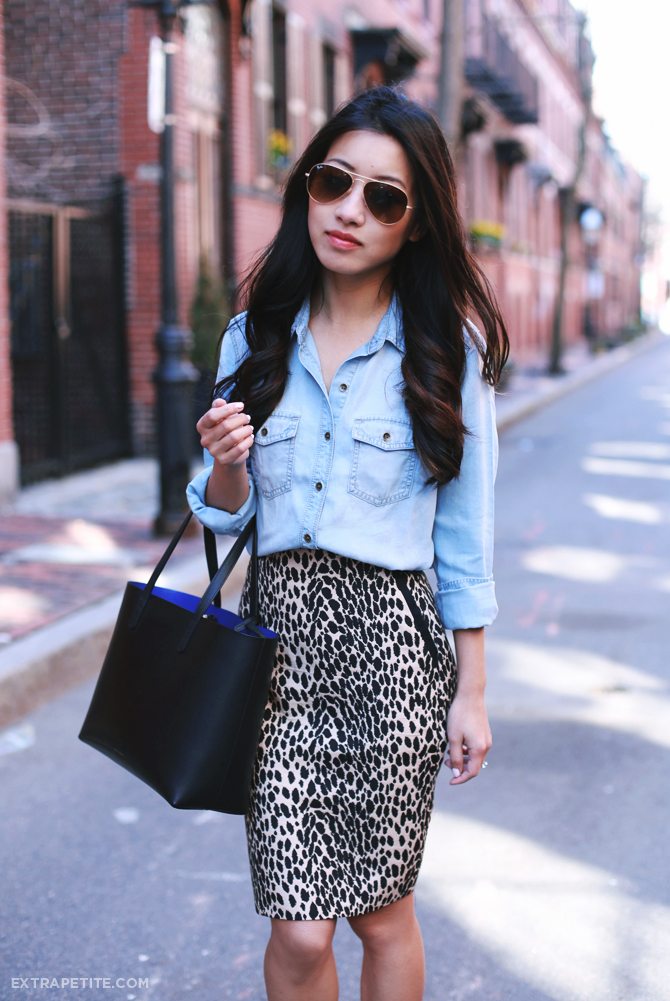 chambray shirt leopard skirt outfit3