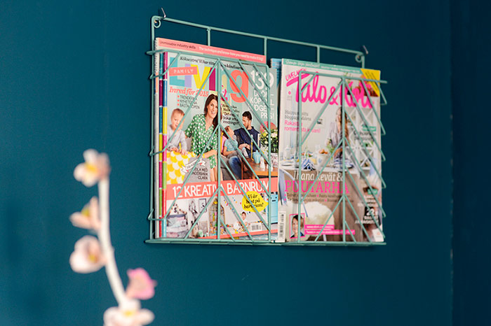 Magazine rack by Muovo