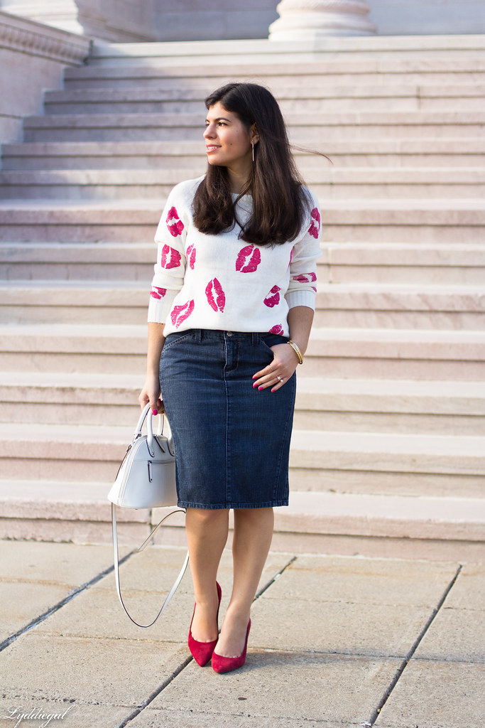kiss sweater, denim pencil skirt, red pumps.jpg