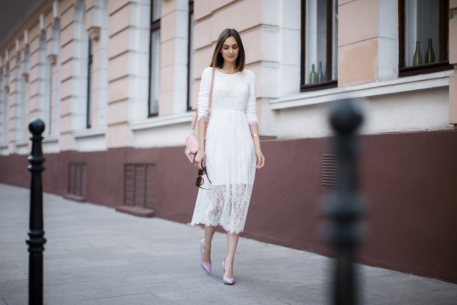 white-lace-midi-dress-outfit-streetstyle
