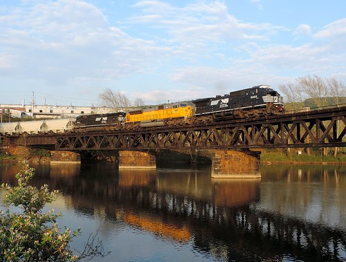 bridge train diesel pennsylvania ns engine wheeler locomotive ge generalelectric norfolksouthern swp fayettecounty youghioghenyriver emd c408w 7264 8466 8883 sd90mac c409 widecab southconnellsville southwestpennsylvaniarailroad greenejunction