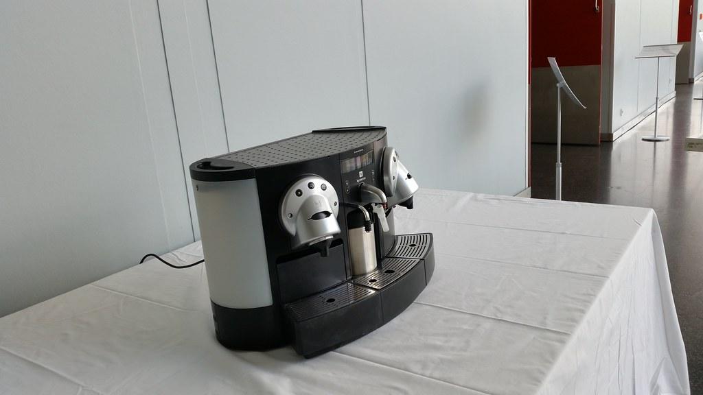 mobile kaffeebar catering service und barista  ~ Kaffeemaschine Mieten Berlin