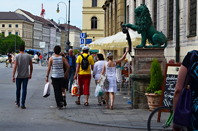 Rubbing the Lion, Odeonsplatz, Munich, Germany