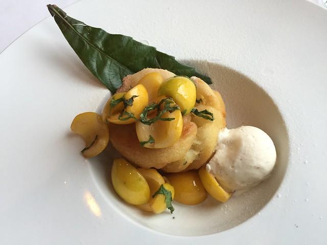 Loquat funnel cake - Restaurant Gwendolyn