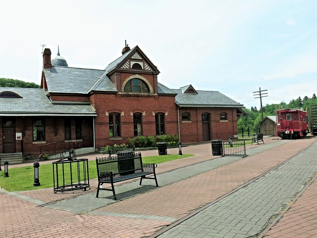 Oakland MD ~ historic 1884 station - HBM!