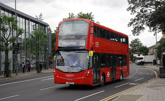 London United VH45177  131  Kingston