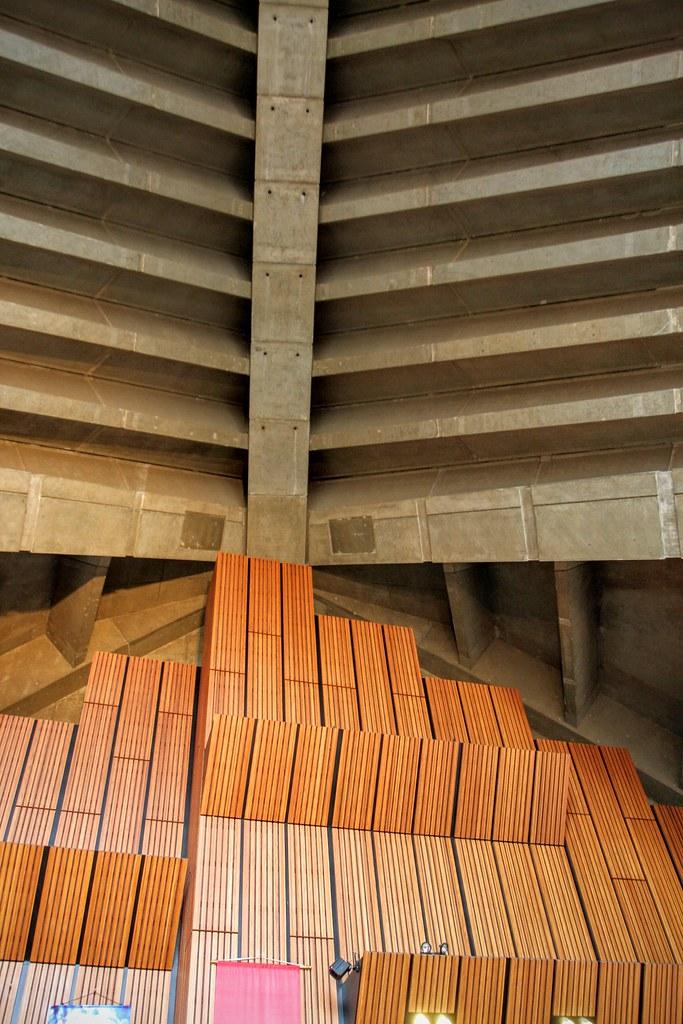 說真的,幾乎都是水泥建築為主軸,僅有視野平面部分才有裝潢...