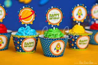 21b - Space Rocket - Party Circle & Cupcake Wraps - B44