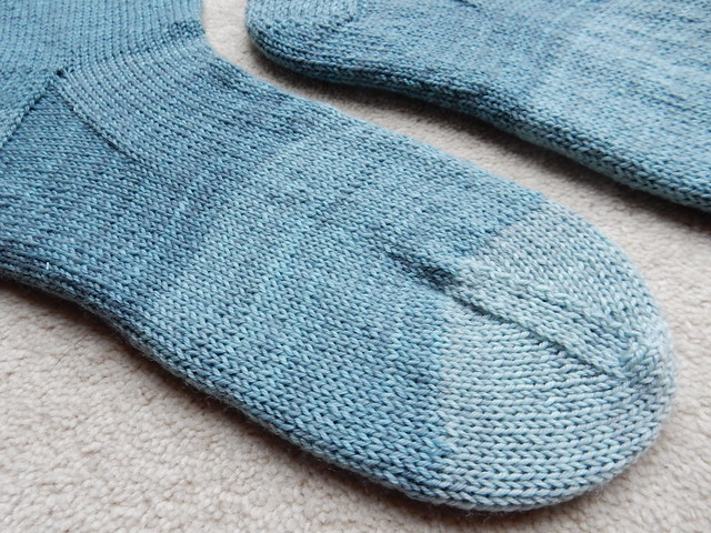 Five shades of blue socks (4)