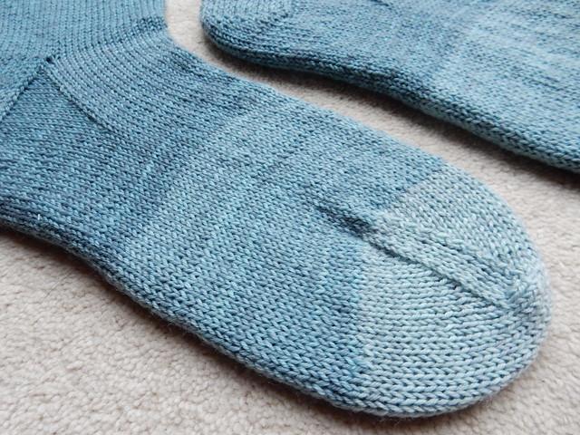 Five shades of blue socks (4)