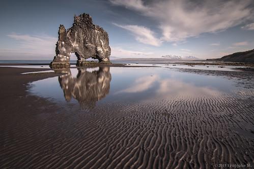 seascape reflection rock clouds landscape iceland sand ísland guano hvitserkur hvítserkur canon50d tokina116 norðvesturland