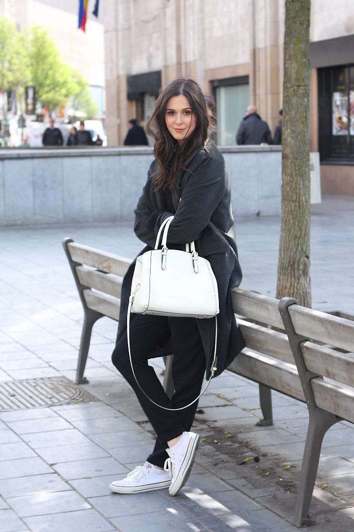 outfit: casual layers in black, grey and white with duster coat and converse