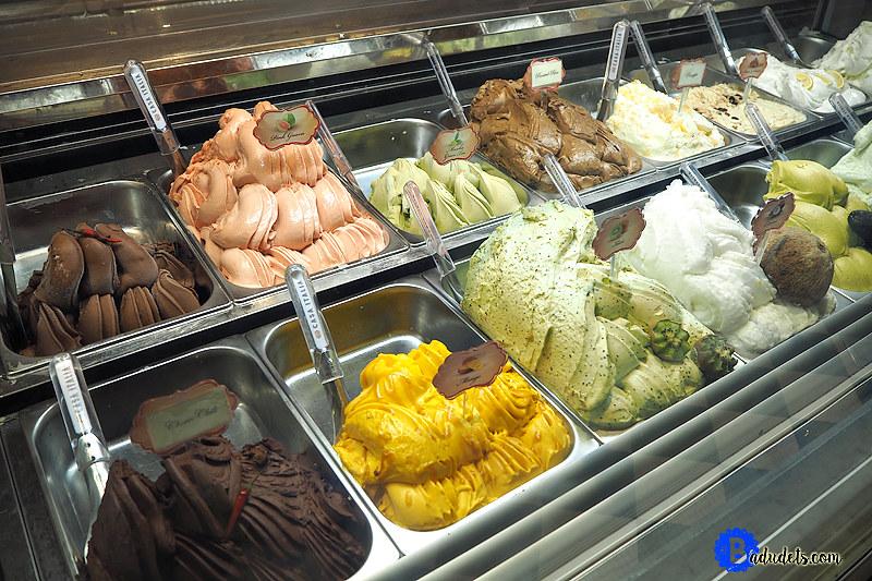 gelato flavors at casa italia