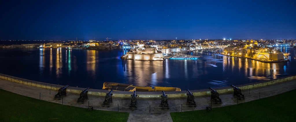 Saluting Battery, Valletta, Malta picture