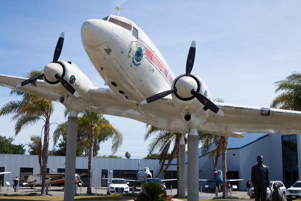 Spirit of Santa Monica Douglas DC-3 (C-53) N242SM