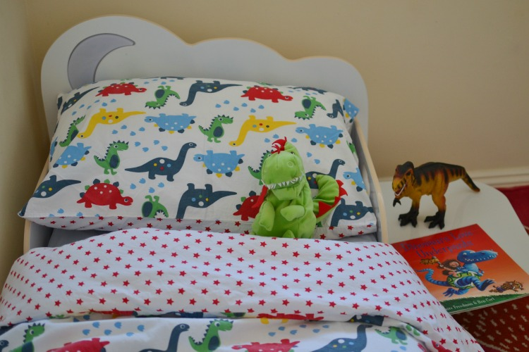 dino bed