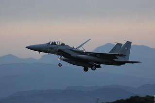McDonnell Douglas F-15DJ Eagle 92-8069 JASDF, 304 Hikotai coming in at sunset, Tsuiki AB