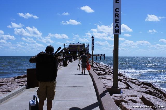 Galveston 61st st fishing pier flickr photo sharing for Galveston pier fishing