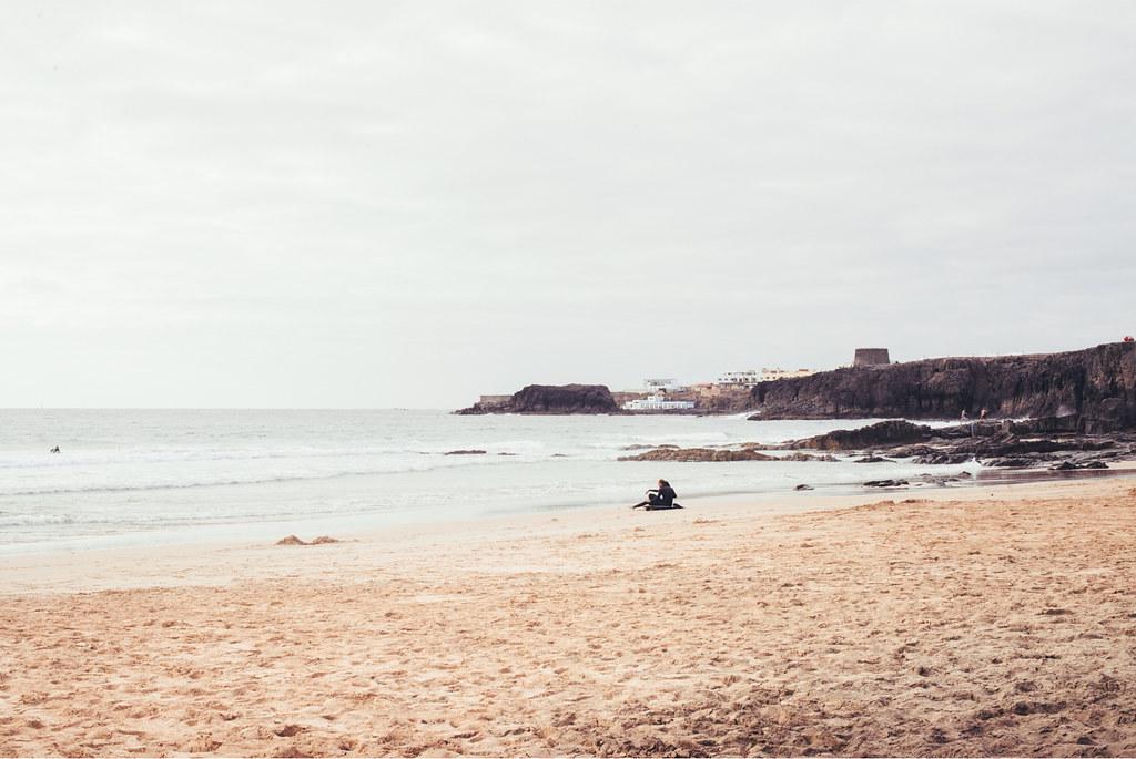 El Cotillo surfer