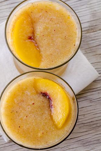 JACKIE ALPERS FOOD PHOTOGRAPHER: peach-berry sangria slushie