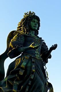Imagine de Rainha D. Catarina de Bragança. ✩ecoledesbeauxarts✩ artgalleryandmuseums audreyflack cc creativecommons dcatarinadebragança escultura lisbon parquedasnações portugal sculpture