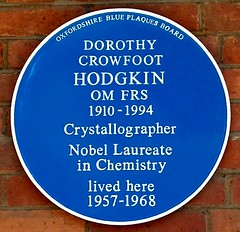 Photo of Dorothy Hodgkin blue plaque
