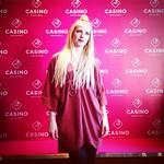 The Voice of Finlandin Jennie Storbacka on kasinon tähtiartisti! Voiton myötä @jennievonbighill nousee Casino Helsingin Fennia-salongin lavalle syksyllä 2015. Storbacka tähdittää kahden viikon ajan Helsingin kasinon Casino Dinner Party -tapahtumia. Casino