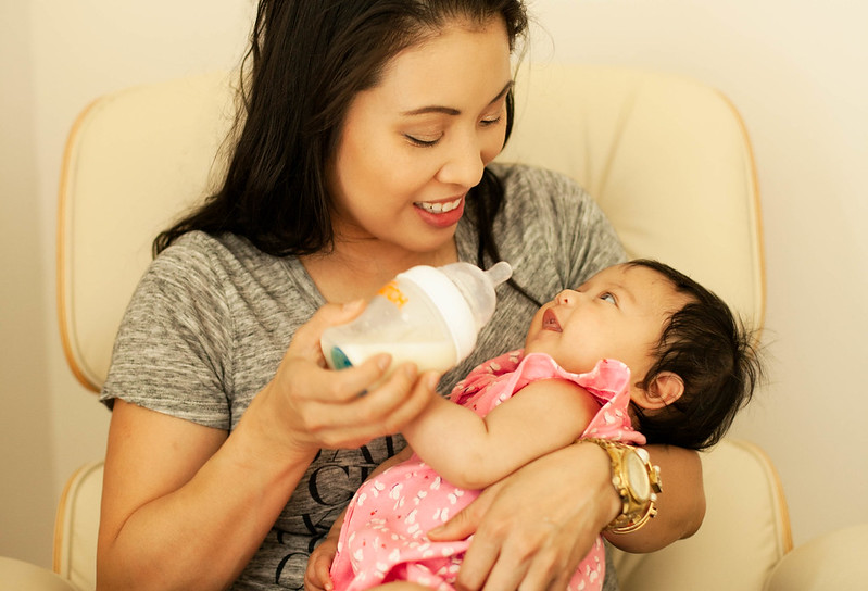 cute & little blog | transitioning baby from breast to bottle tips | munchkin latch #LoveLatch