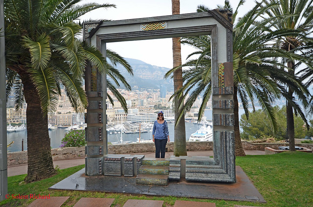 Monaco one way to do solent richard 39 s cruise blog for Miroir st antoine