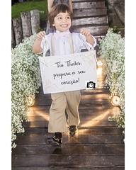 Que graça... Casamento de Thalles e @anaclaudiabarbosa  Cerimonial: @comartcerimonial  #pajens #albeniapraxedesfotografia #casamentoemalagoas #Wedding #wedding2016 #noivoslindos #icasei #squires #flowergirl