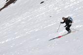 Skitouren in Marokko, Hoher Atlas. Rassige Firnabfahrt vom Jebel Toubkal, 4167 m. Foto: Günther Härter.