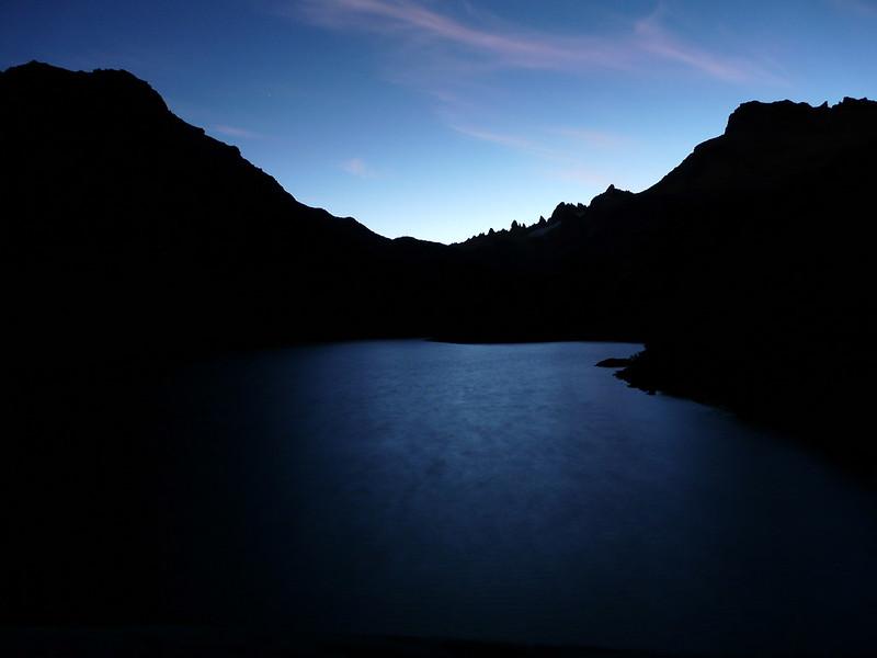 La nuit est tombée sur la Laguna Jakob