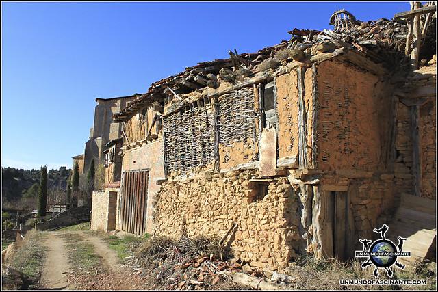 Arquitectura popular en Catalañazor, Soria. España.