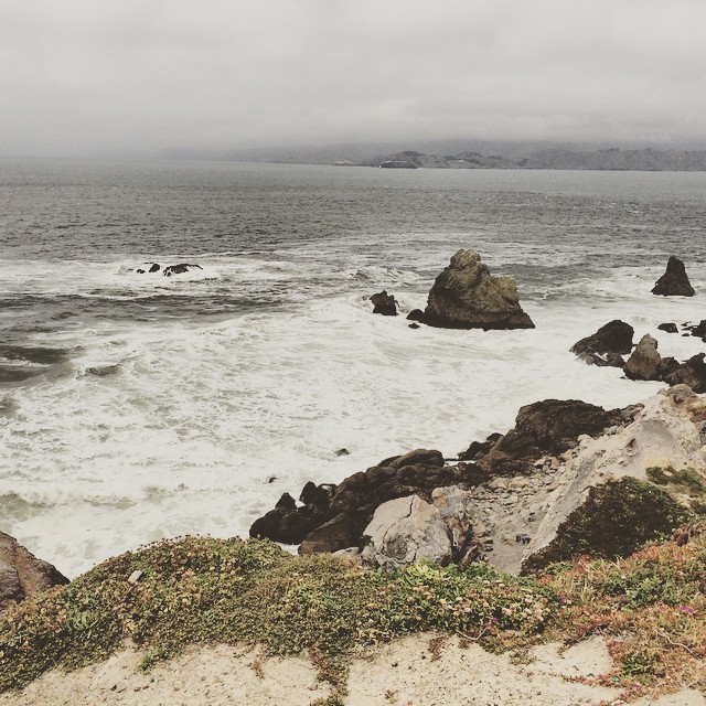 Waves are angry because I'm leaving today 😂😭 #landsend #sanfrancisco #bayarea #wanderentes #travelingjourno