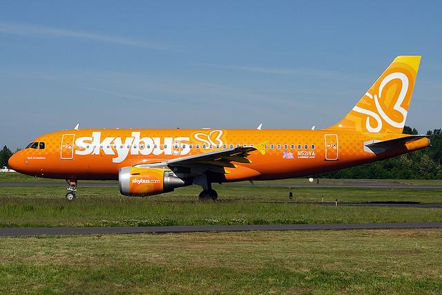 Skybus Airbus A319 N521VA