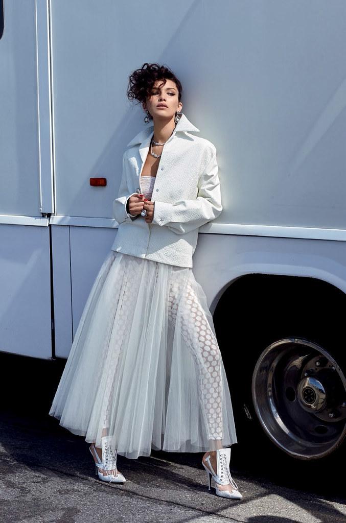 Белла Хадид — Фотосессия для «Vogue» TR 2016 – 8