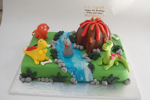 Dinosaur Scene Cake Beautiful Birthday Cakes
