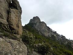 Punta Balardia depuis le piton rocheux avant le col 910m
