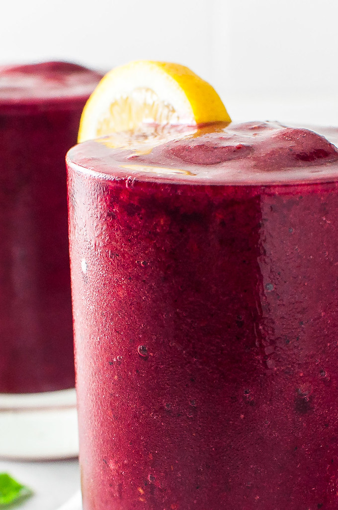A bright, hydrating, post-workout berry lemonade smoothie! Naturally date sweetened with a soothing herbal note.